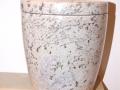 Van der Velde Natuursteen, grafmonumenten, glasmonumenten, kindermonumenten en sierurnen, meer dan 50 jaar vakmanschap in de regio Zeist -urn04