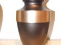 Van der Velde Natuursteen, grafmonumenten, glasmonumenten, kindermonumenten en sierurnen, meer dan 50 jaar vakmanschap in de regio Zeist -urn07
