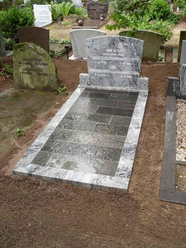 Grafmonument renovatie van der Velde Natuursteen Zeist - voor renovatie