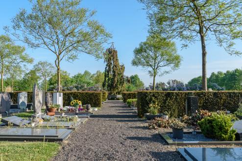 Van der Velde Natuursteen Algemene begraafplaats Oud Wulven Houten